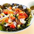 料理メニュー写真海鮮ちらしサラダ