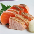 料理メニュー写真炙りサーモンおろしポン酢