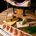 料理メニュー写真イタリア産プロシュートのにぎり寿司 Sushi of Parma ham