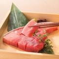 料理メニュー写真■赤身から大トロまで食べられる ミナミマグロの輪切り刺身