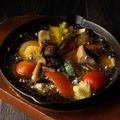 料理メニュー写真皆大好きアヒージョなど温かいお料理も豊富♪