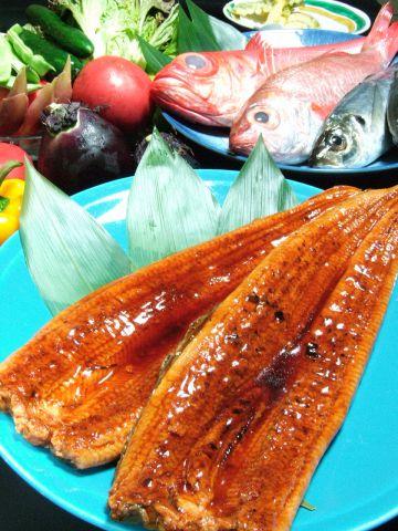 地元食材の料理が満喫できると長野を訪れる著名人も通う一軒!宴会や接待に大人気!