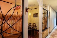 店舗総席数90席 2~5名でご利用いただける半個室空間です。
