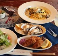 海沿いのお洒落なレストランで、素敵なランチタイムを◎