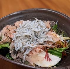 釜揚げしらすの海藻グリーンサラダ