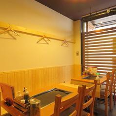 ワイワイとお料理を楽しめるテーブル席をご用意しております!