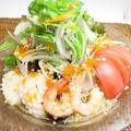 料理メニュー写真春雨と小エビ、イカのスパイシーサラダ