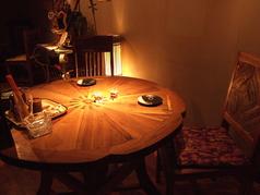 雰囲気の良いテーブル席♪