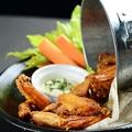 料理メニュー写真バッファロースタイルのチキンウイング 10PIECE