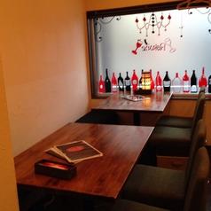 窓際のテーブル席は8名様までご宴会承ります★お気軽にご相談ください。