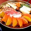料理メニュー写真黒豚トマトすき焼き鍋 1人前