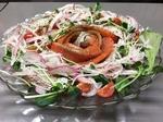 築地直送の新鮮魚介類を使用。旬のお魚を、和風カルパッチョ又はイタリアンディルソースで。