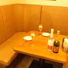 半個室風のお席はデートやお祝いにおすすめ!
