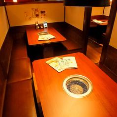 余裕のあるお席でゆったり食事を愉しめます。