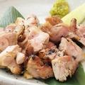 料理メニュー写真地鶏もも焼きハーフ