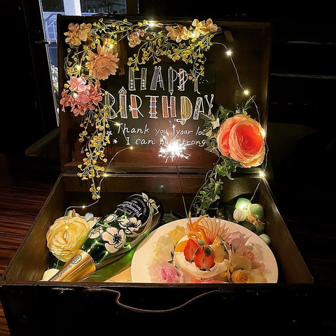 誕生日・記念日・お祝い事に◎ 【サプライズ 5大特典】⇒★無料★(3000円以上のコースから)