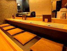 カウンターのお席は6席です。粋な大将との会話もたのしめる一番おすすめのお席