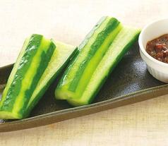 料理メニュー写真丸っこきゅうり/生ハムポテト/お漬物盛り合わせ