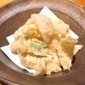 料理メニュー写真新玉葱とアスパラのくずし揚げ