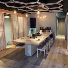 【お一人様でも大歓迎】落ち着いた空間で上質な鴨肉と、芳醇なワインや日本酒、焼酎をご堪能下さいませ。