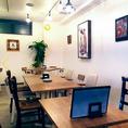テーブル席は自由に組み替えが可能!大人数のお客様もお座り頂けます♪
