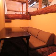 デートに最適♪屋根裏の個室席!二人だけの空間を楽しみたいとき、ちょっとオシャレな隠れ家としてぜひ、ご利用頂きたい、当店の超人気スポットです!