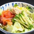 料理メニュー写真丼ぶりサラダ