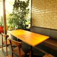 ■4名様掛け(壁側ソファー席) テーブル■