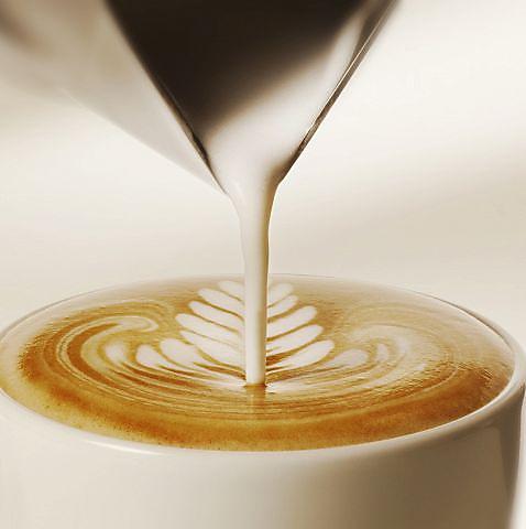 ≪ラインナップ豊富なドリンク≫コーヒー、プレモル、スパークリング…極上の一杯を♪