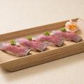 料理メニュー写真ローストビーフのお寿司(4貫)