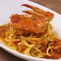 料理メニュー写真ワタリガニのトマトソースパスタ