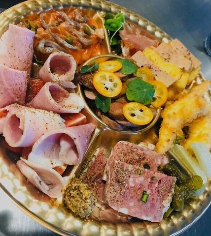 【テイクアウト】おうちがお店に…!店自慢の料理をぜひご自宅で。オードブル2500円(税抜)