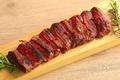 料理メニュー写真貴重な牛のステーキを網焼きで!