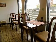 デートにも最適の2名様用テーブルです。4名様用もございます!