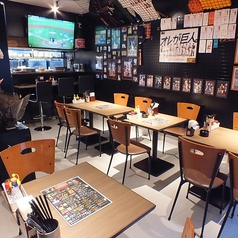野球観戦で盛り上がろう!ファンの集うお店!テーブル席は2名席×6卓の組み合わせで最大12名まで連結可!