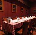個室も赤白チェックのテーブルクロスで統一されています!ぜひアメリカの雰囲気を味わいください♪