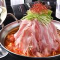 料理メニュー写真SNS映えも◎肉バル特製【肉タワー鍋】