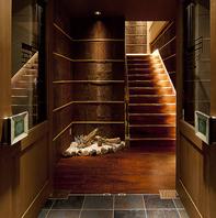 空間デザイナーの岩城氏デザインのエントランス
