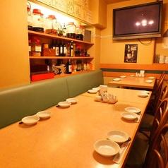 テーブル席でTVを見ながらおくつろぎ下さい!中華料理を楽しみながらスポーツ観戦も出来ます。まるで家にいるかのような空間です♪
