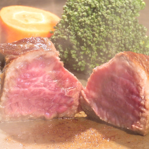 【鉄板焼き×創作料理】ブランド牛・豚は鉄板焼きで、厳選野菜・魚などは創作料理で