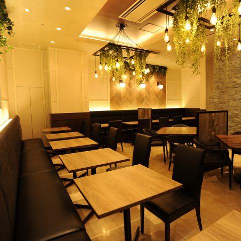 スタイリッシュアジアンな空間で、本格的なアジア料理を楽しむ