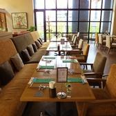 団体様やパーティーに最適なテーブル席。お席はセッティングしてお待ちしております☆