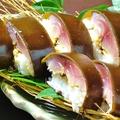 料理メニュー写真炙り〆鯖棒寿司(一本)