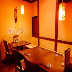 テーブル席は、もご友人とでも、デートでも使いやすい雰囲気づくりがされています!2名様からご案内ができます。席をつなげて最大6名様までご利用頂けます★宴会使いにも◎高田馬場/宴会/飲み放題/歓送迎会/デート/ランチ