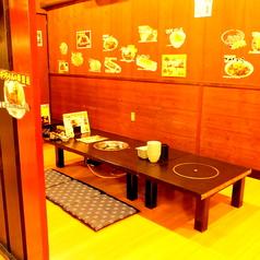 店内奥には会社宴会に便利な半個室。10名~20名でご利用いただけます★