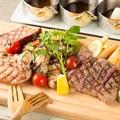 料理メニュー写真肉まみれの究極プレート(鶏・豚・牛ステーキ) Sサイズ