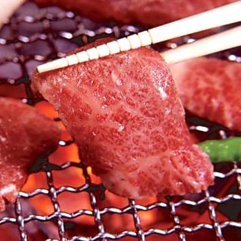 食べ放題が一番人気!!3,380円(税抜) 新メニューも続々登場!一度食べたら大満足!!