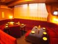 VIPルームの半個室風ソファー席です【#貸切 #歓送迎会 #同窓会 #プロジェクタ #パーティ】