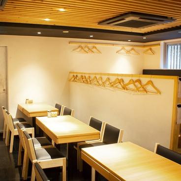 焼き鳥 博多松介 はかた まつすけ 恵比寿店の雰囲気1