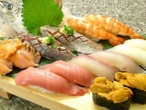 秀吉のお寿司!カウンターで食べるも良し、お座敷で大勢で頂くも良し!!